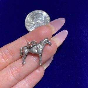 Vintage Jewelry - Sterling Silver Horse Charm 🐎💛